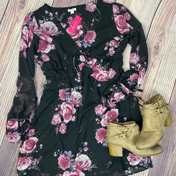 Xhiliration floral dress NWT